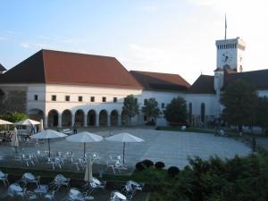 Ljubljanski_grad-dvorisce